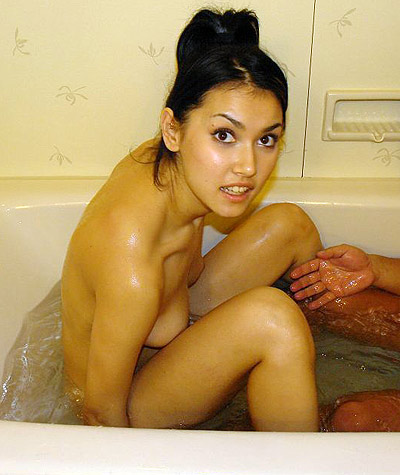 Maria Ozawa in the bath tub!